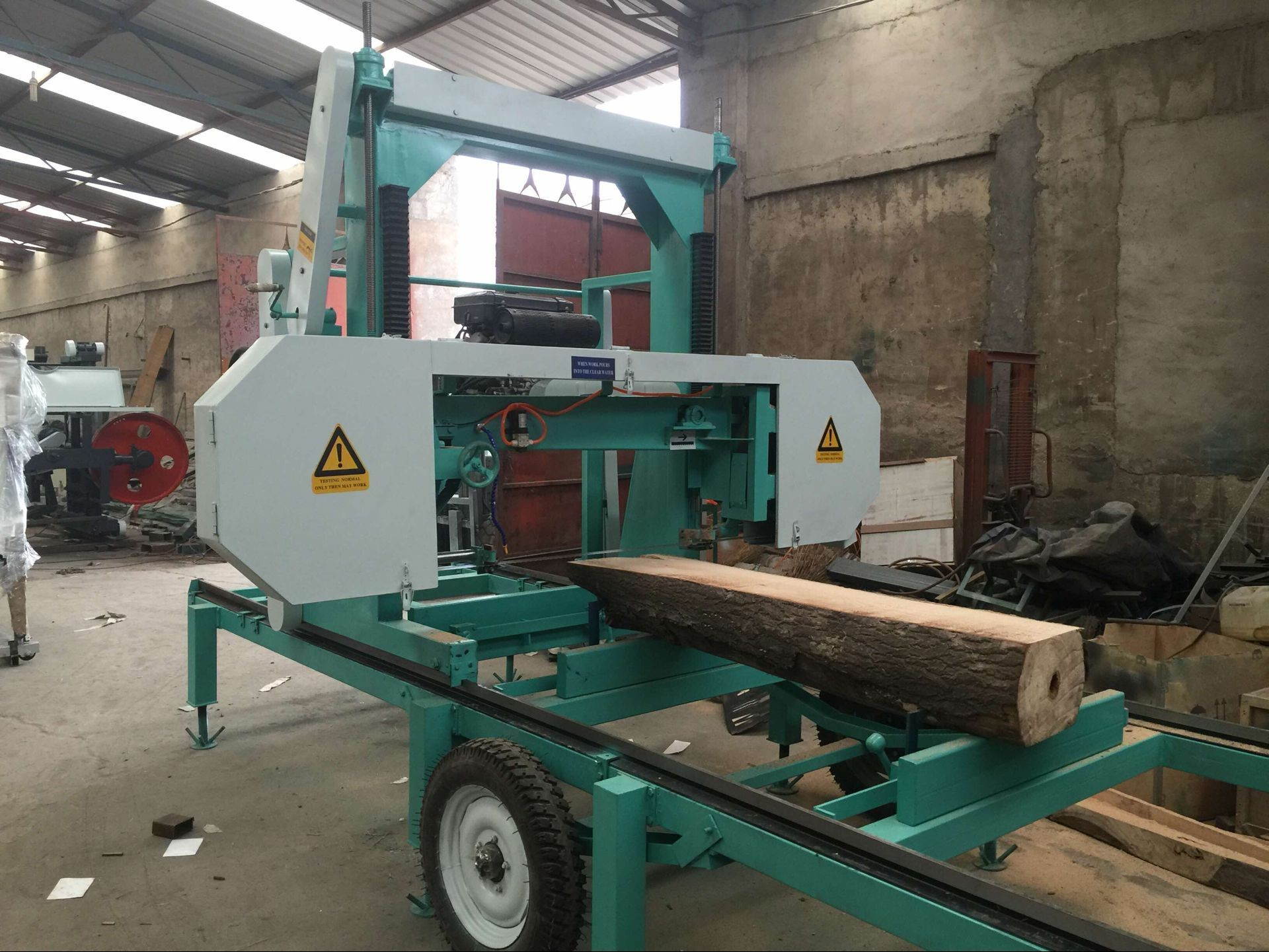 mobile horizontal band saw mill portable timber sawmill