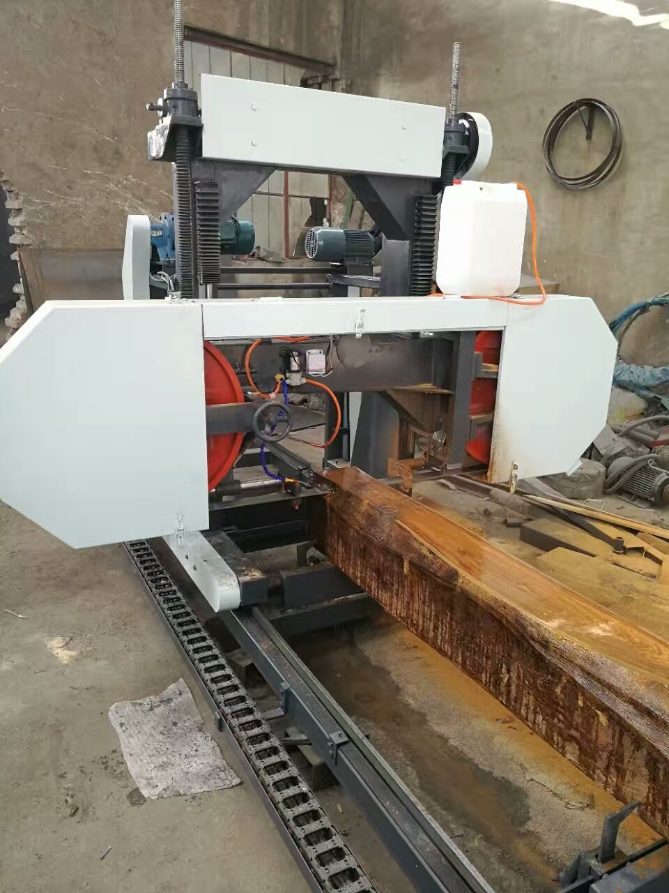 used bandsaw mill