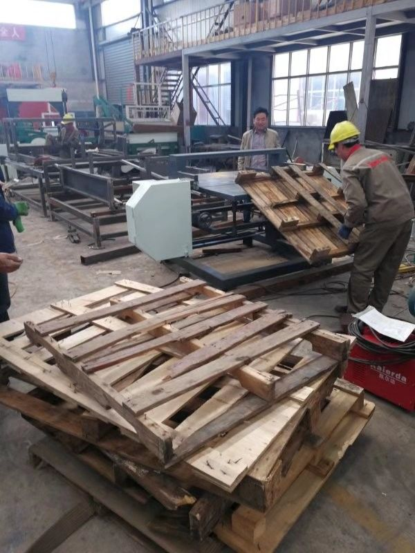 Wood Pallet Dismantling Bandsaw Portable Pallet Stripping Horizontal Band Sawmill